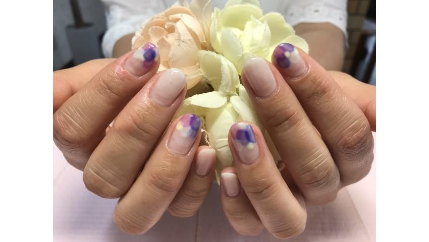 ふんわり紫陽花カラーのネイル
